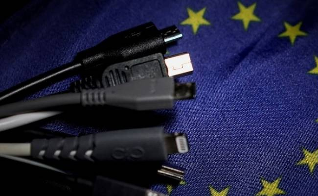EU to impose the law on universal phone charger