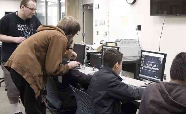 Hacker earns $1.4 million from California university