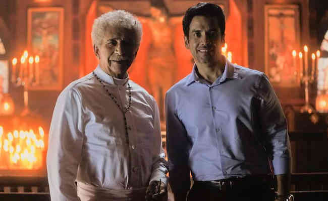 Tusshar Kapoor- Naseeruddin Shah share screen space for Marric